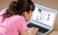 Friend woman facebook laptop